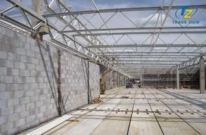 stalowa konstrukcja dachu hali galerii handlowej w Tarnowie