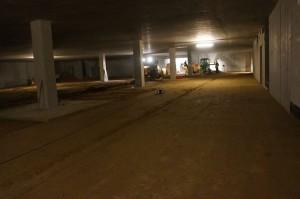 wygłądzona powierzchnia parkingu podziemnego