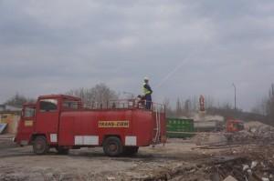 wóz Zomo wyposażony w działko wodne
