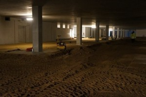 parking podziemny zasypy między kolumnami