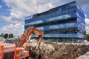 wyburzanie siedziby HYDROPOL pod nową inwestycję Wadowicka 3